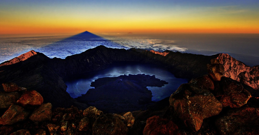 Hiking Mount Rinjani: A Mental and Physical Challenge Like No Other